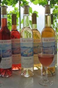 Udvalg af dansk vin fra Årø Vingård